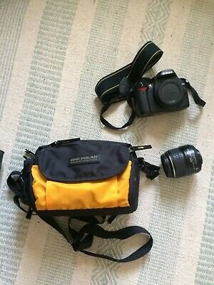 Nixon D40 camera with lens and travel bag