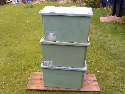HEAVY DUTY PLASTIC STORAGE BOXS WITH LIDS. x3 STACKABLE. 600 x 400 x 355mm GREEN