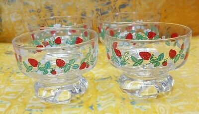 Vintage 1970's ADERIA Glass RETRO Set of 4 sweet dessert dishes strawberries
