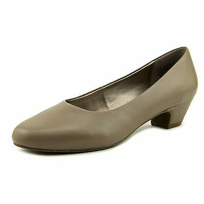 ARRAY Womens Lily Leather Closed Toe Classic Pumps, Taupe, Size 8.0 IEWQ US / 6