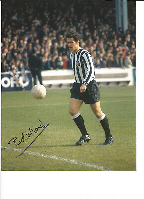 Football Autograph Bobby Moncur Newcastle United signed 10x8 in Photograph JM95