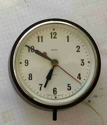 "Vintage Smiths ""Sectric"" wall clock with period Bakelite case in working order"