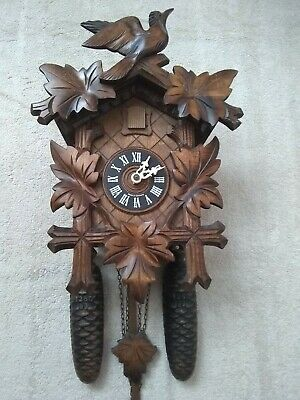 Black Forest large 8 day  cuckoo clock  silence lever  excellent  condition