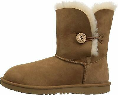 UGG Kids K Bailey Button II Fashion Boot, Chestnut, Size 9.0 faHu US /