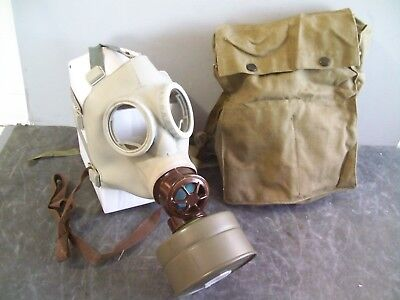 Czech Military Unissued CM-3 Model Z Gas Mask with Filter & Canvas Carry Bag