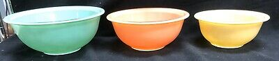 Pyrex Mixing Bowl 3 Piece Set 322 323 325 Turquoise, Peach Pink and Ivory
