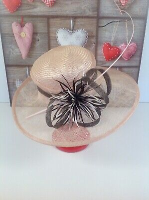 LADIES Soft PINK HAT WEDDINGS/RACES/SPECIAL OCCASIONS BY MARKS & SPENCER