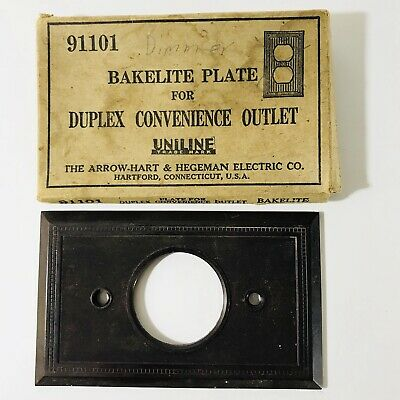 Vintage Mid Century Uniline Bakelite Single Gang Outlet Plate Cover 91101