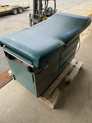 Ritter 104 Medical Exam Table with Stirrups Model 100-024
