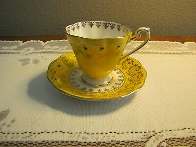 Royal Standard / Gold & Yellow / CUP & SAUCER Set / England / MINT!