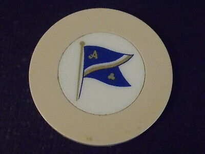 CREST AND SEAL ~ FLAG (beige) HOTEL CASINO gaming poker chip