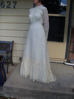 William Cahill Vintage Wedding Dress Ivory Lace Over White Covered Buttons