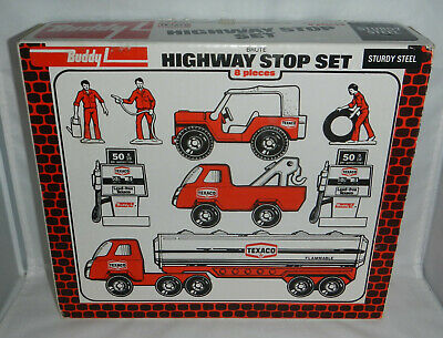 Buddy L Brute Texaco Highway Stop 8 Piece Vehicle Set 4976 Tanker Gas Pumps