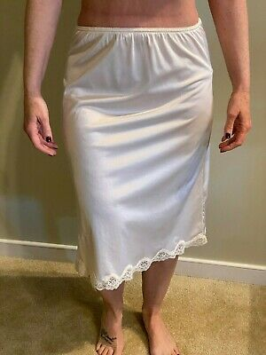 Vintage 60s 70s Slip Nordstrom Size Med. Read Union Label Made in USA