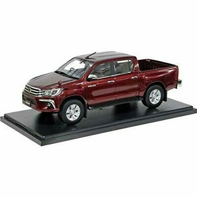Hi Story 1/24 TOYOTA HILUX Z 2017 Red Metallic HS2411RE 1:24 4523231033532