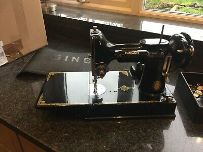 Vintage Featherweight Singer sewing machine - 1951 221K4 Centenary Edition