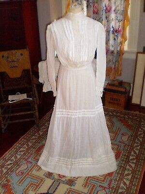Lovely Antique Late 19th Early 20th C Cotton & Crochet Lace Tea Dress Small Size