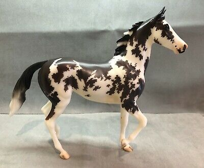 "Breyer Lonesome Glory Mold ""By A Nose"" BreyerFest 2018 SR 1400 Made"