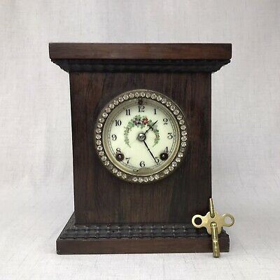 Small Mantle Clock New Haven? Coil Gong 8-Day Key Wind Wood Case Enamel Dial