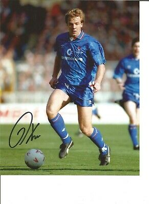 Kerry Dixon 10x8 Signed Colour Photo Football in Action For Chelsea JM103