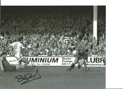 Football Autograph Stuart Pearson West Ham Signed 10x8 inch B&W Photograph JM135