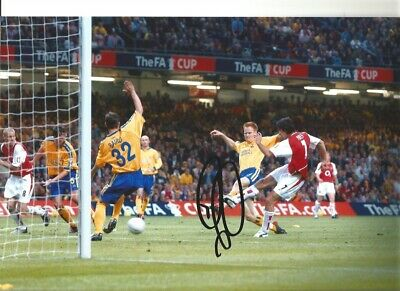 Robert Pires Arsenal Signed 12x8 inch hand signed authentic football photo S001B
