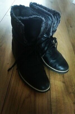 Clarks Ladies Ankle Boots black leather faux fur lined lace up low wedge size 6