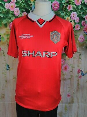 """Men's size small 38"""" chest Manchester United official retro 1999 football shirt"""