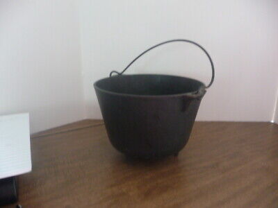 Antique Cast Iron Cauldron  With 3 Legs And Metal Handle  -- Griswold ??   #7