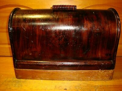 1919  Singer Bentwood Case for Sewing Machines Model 128, 28