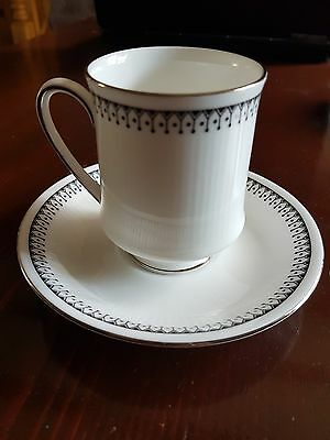 PARAGON The Queen China Potters Antique Porcelain (5 Cups & 5 Saucers)