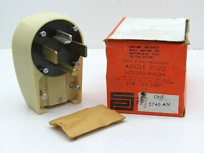 New Hubbell Bryant  9337NP 30 Amp 125//250 Volt Attachment Plug Fast Shipping