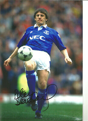 Peter Beardsley Everton 12 x 8 inch hand signed authentic football photo SS134