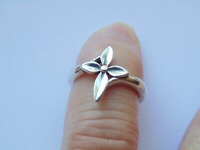James Avery RETIRED Sterling Silver BLOSSOM Cross Ring *Size 4.25