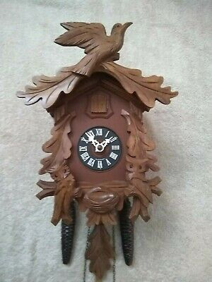 Cuckoo Clock With  moving Owls 30 hour  Mechanical Fantastic Condition