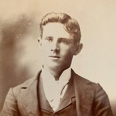 Antique Photo Cabinet Card. A Fine Looking Young Victorian Man,Maine c1890's