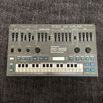 Roland MC-202 - Vintage analogue Synth & Sequencer