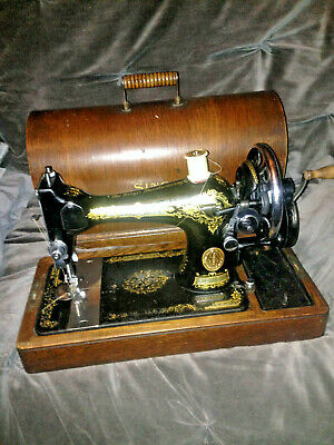 Antique / Vinage SINGER 128K Model Hand-Crank Sewing Machine With Carry Case
