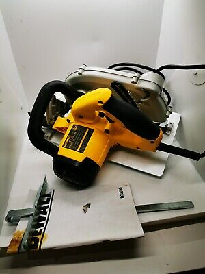 Dewalt D23650 -LX 1350W 230V Excelent condition.