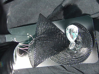 black shell type fasinator/brooch with sequin and feathers new