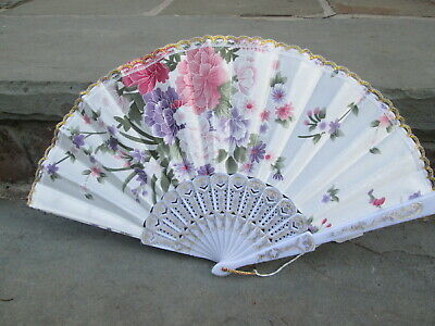 HAND FAN  18th C COLONIAL LADIES WHITE SATIN PEONY FLOWER SPRING GILT LACE EDGE