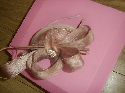 Ladies wedding fascinator suitable for wedding or Ascot
