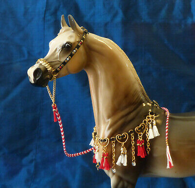 Arabian Presentation Jewelry Style HEARTS 1/9 scaleTraditional Breyer Stone