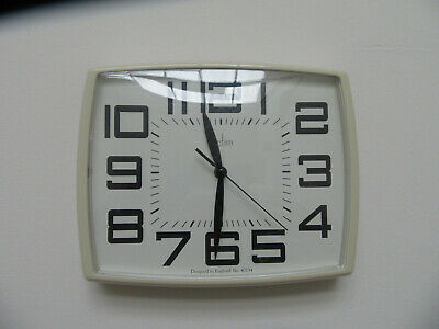 ACCTIM WALL CLOCK MODEL 40734 DESIGNED IN ENGLAND RETRO 60s STYLE  FREE POST UK