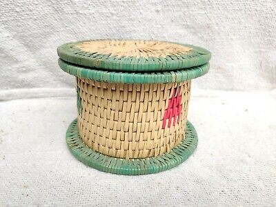 1920s Vintage Old Beautiful Multi-Color Handwoven Straw Home Decor Box