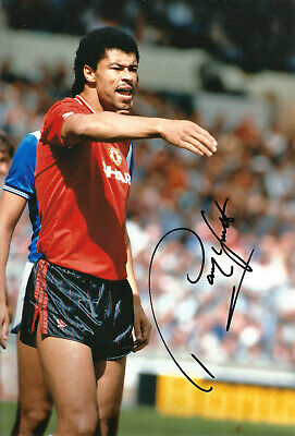 Paul Mcgrath Manchester United 12 x 8 signed authentic football photograph SS454