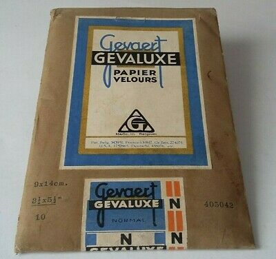 Vintage packet of Gevaert Gevaluxe photogrpahic papers and original contents.