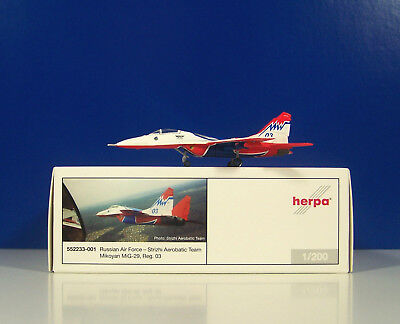 """Herpa Wings 1:200 552233-001  Russian Air Force Strizhi MiG-29 /""""03/"""" **RARE**"""