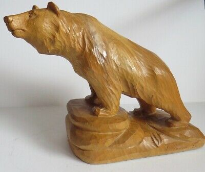 Exceptional and huge signed Canadian artist F. Potocnik hand carved wooden bear