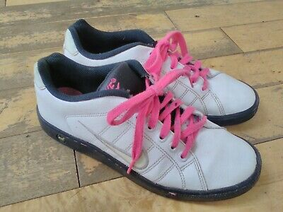 Nike size 5  girls pink & white  very stylish Nike casual trainers